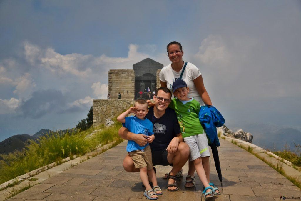Czarnogóra - co zobaczyć   Mauzoleum Piotra II Petrowica-Niegosza