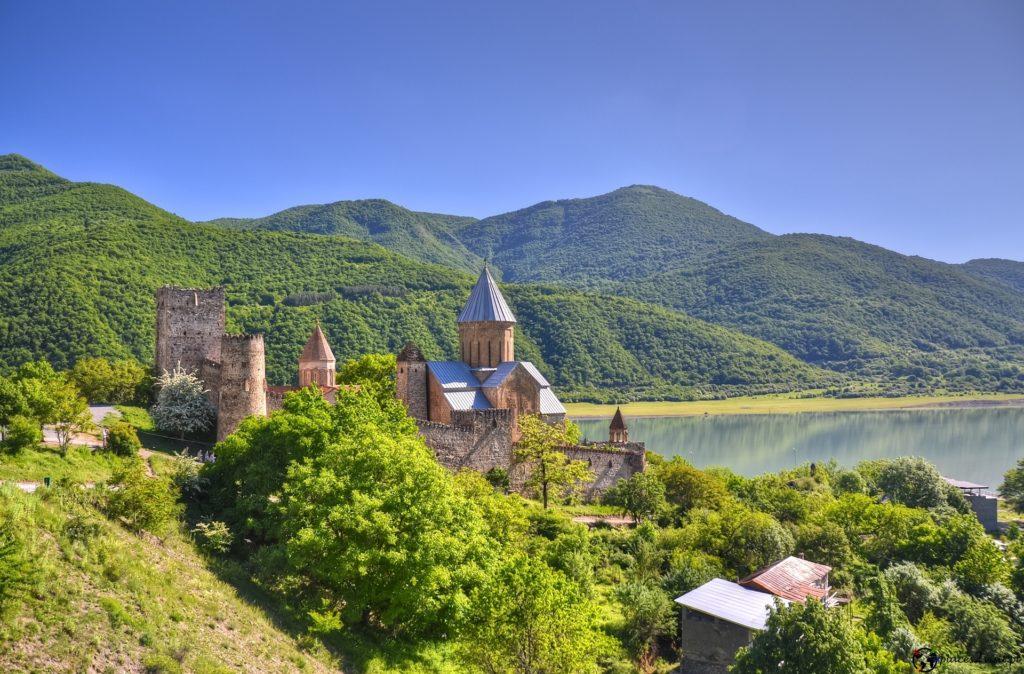 Ananuri Castle. Gruzińska Droga Wojenna