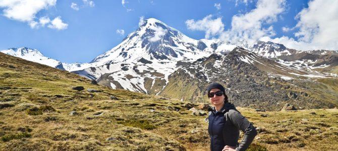 Cminda Sameba i trekking pod Kazbek na przełęcz Arsha Pass