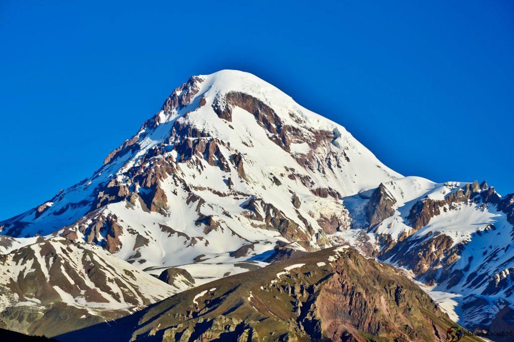 Stepancminda u stóp góry Kazbek